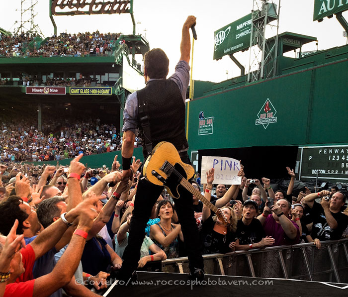 Springsteen-Fenway_Bruce_largelast